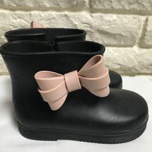 Mini Melissa black rain boots pink bow 9